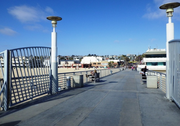 View from Hermosa Pier towards 1 Pier Avenue