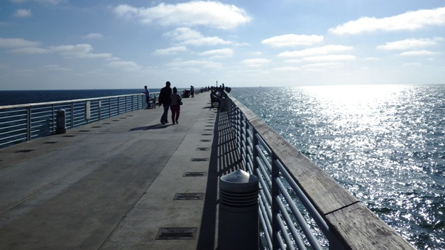 View of Hermosa Pier to En